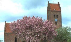 Allerød kirke - Den Fri Bedemand finder du i lokalområdet