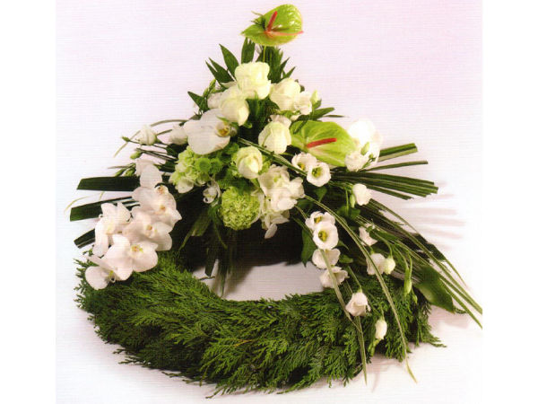 Bårekrans 1 - med årstidens blomster