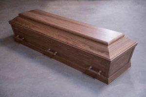 Begravelseskiste i valnøddetræ